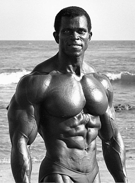 Musculation des pectoraux avec haltères